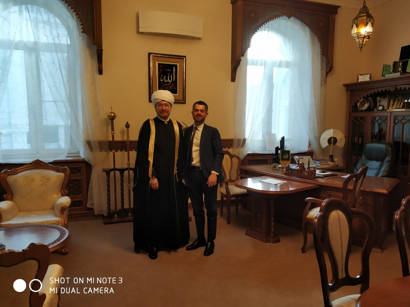 Mufti sheikh Ravil Gaynutdin meets Consul General of Italy