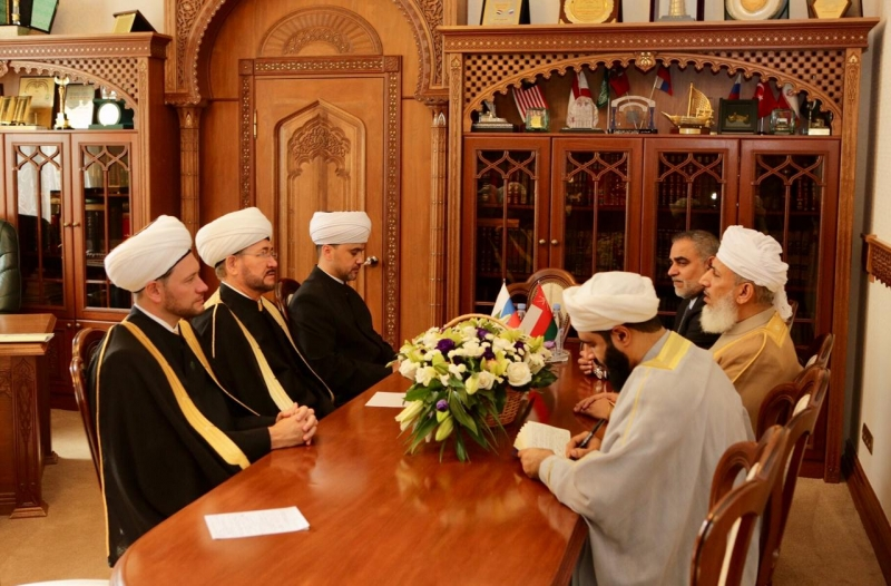 RMC chairman meets Minister of Awqaf and Religious Affairs of Oman