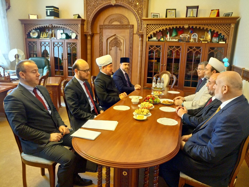Mufti sheikh Ravil Gaynutdin meets head of Presidency of Religious Affairs of Turkey