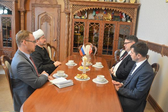 Mufti Sheikh Ravil Gaynutdin meets Chargé d'Affaires of the Turkish Embassy